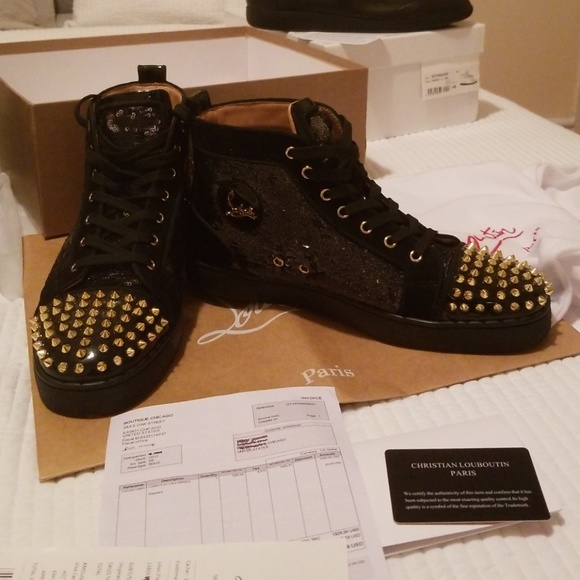 official photos 5cd61 8e572 Authentic black and gold Christian louboutins